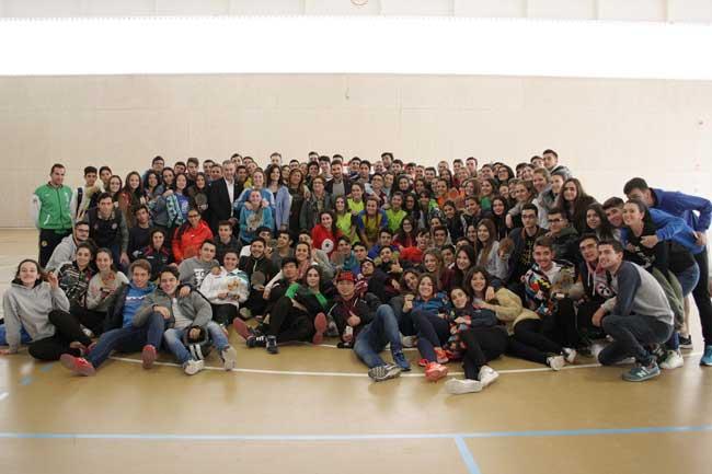 Alumnos de bachillerato de Jaén en las instalaciones deportivas de la UJA