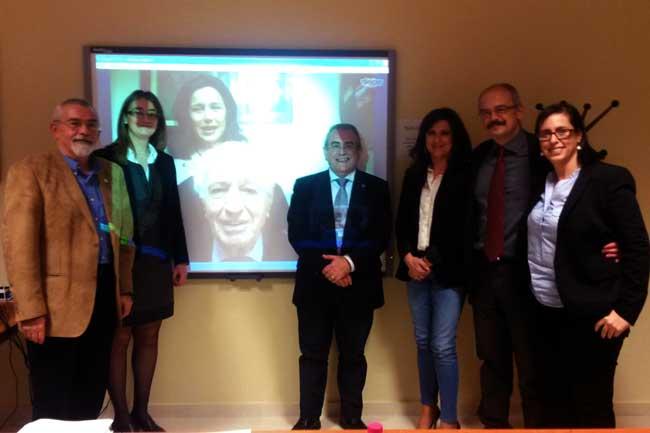 El nuevo doctor nonagenario expuso su tesis a través de Skype.