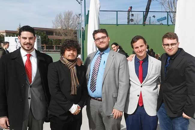 Club de debate de la UMU, a la derecha José Miguel Rojo