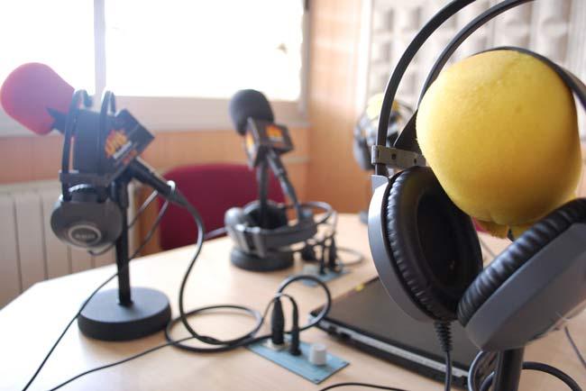 uniradio-jaen-microfonos