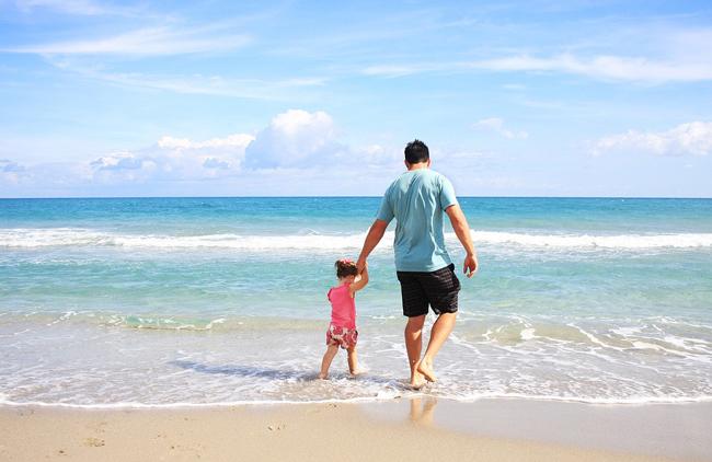 playa-familia-hijo