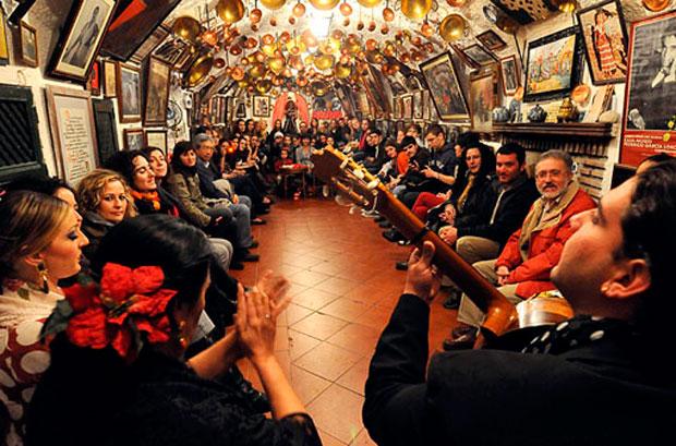 El Sacromonte es punto de referencia para el flamenco granadino.