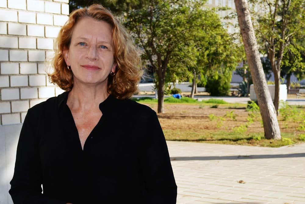 Cynthia Giagnocabo.