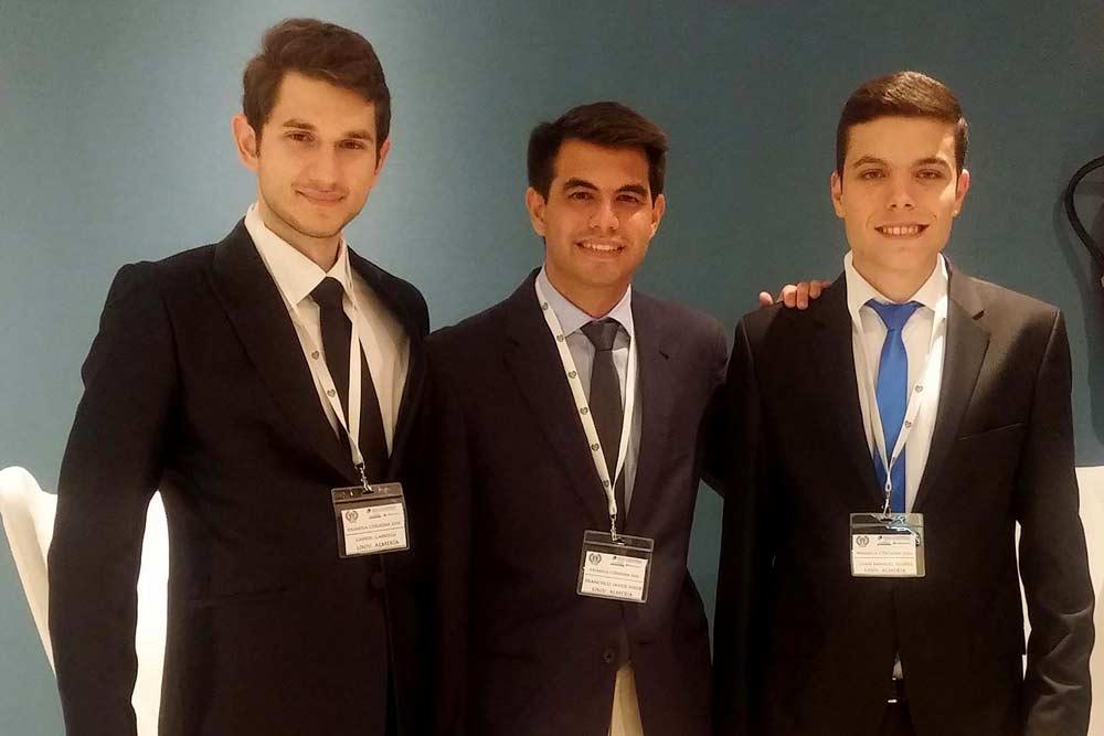 alumnos-ual-liga-nacional-debate