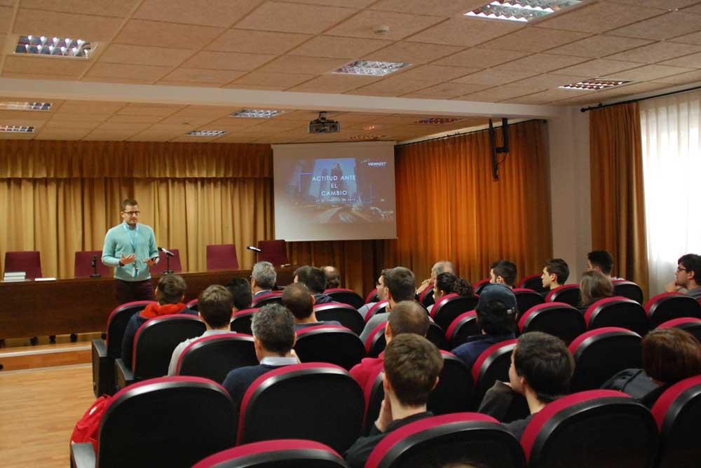 Primera charla en las Jornadas de Informática de la UAL.