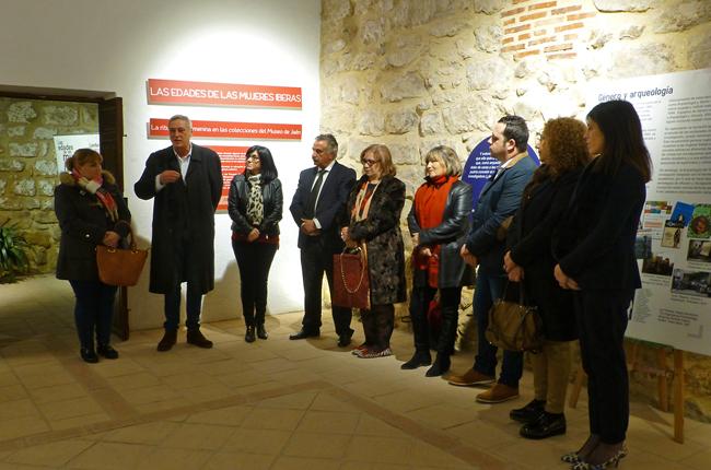 Inauguración de la Exposición sobre la Mujer Íbera en Castellar (Jaén).