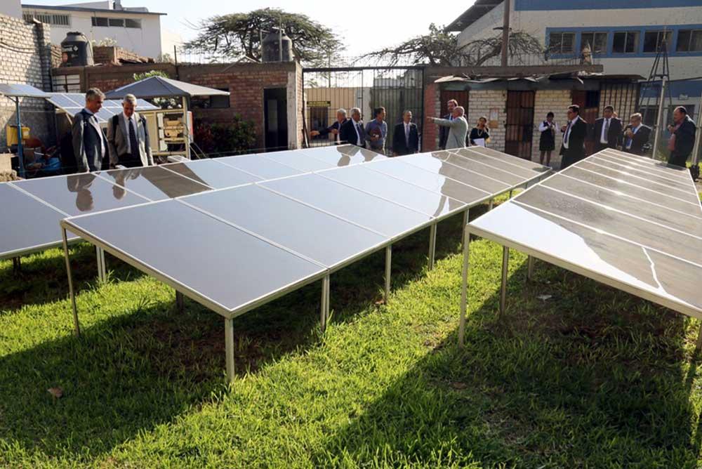 Instalación fotovoltaica en la UNI de Perú.