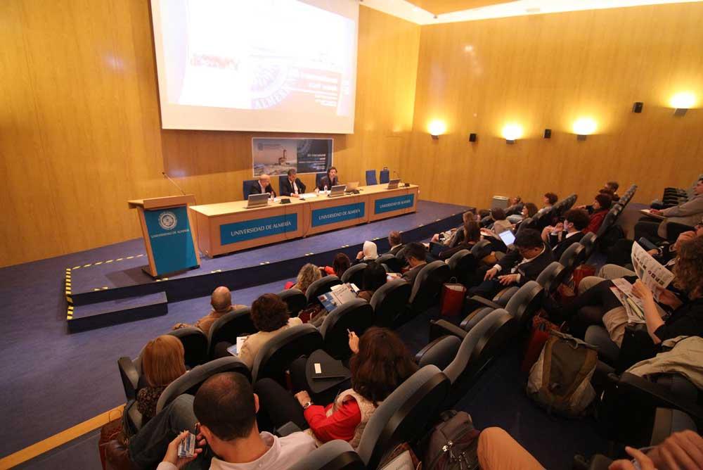 El rector de la UAL, Carmelo Rodríguez, ha inaugurado la Semana Internacional.
