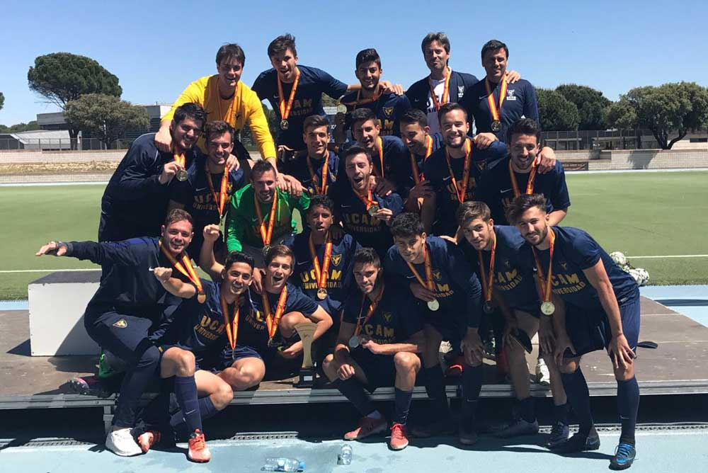 Equipo de fútbol de la UCAM.