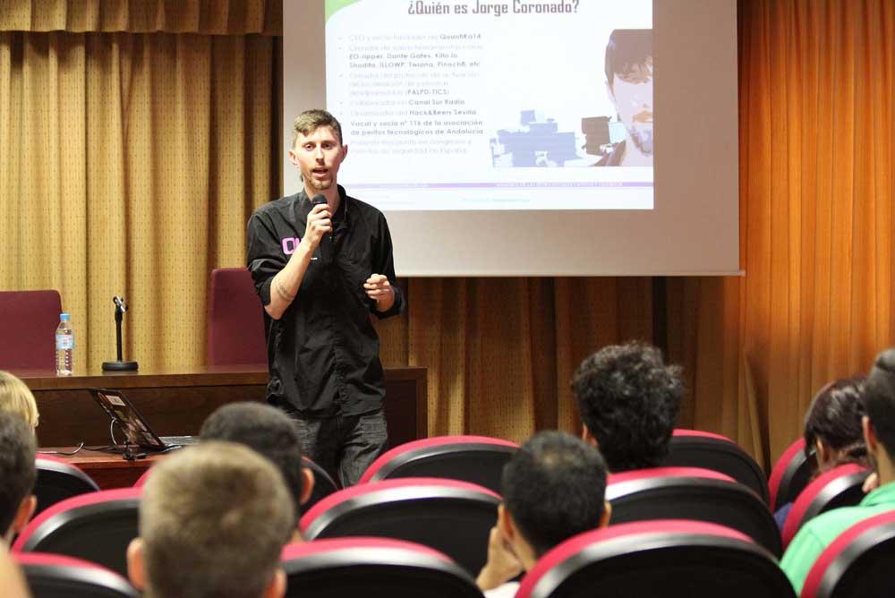 Jornada sobre seguridad informática desarrollada hoy en la UAL.