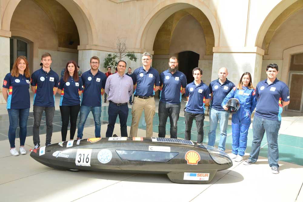 Equipo de la UPCT que participará en el Shell Eco Marathon.