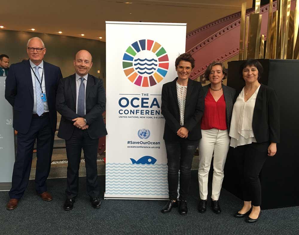 Autoridades asistentes a la Conferencia sobre los Océanos de las Naciones Unidas.