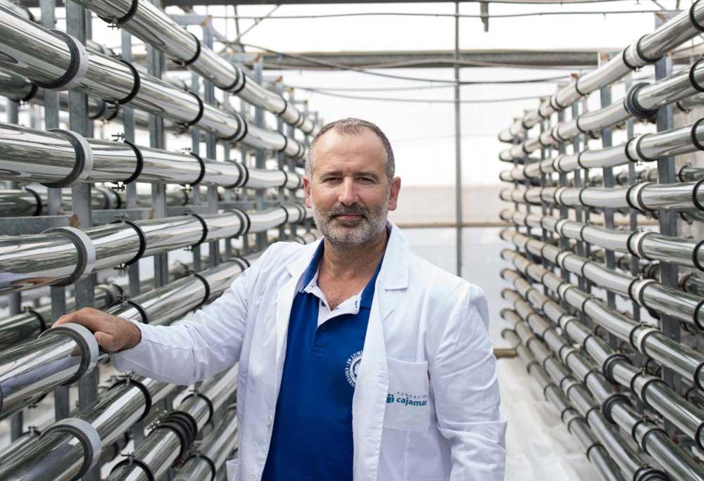 Gabriel Acién es profesor titular de Ingeniería Química de la UAL.