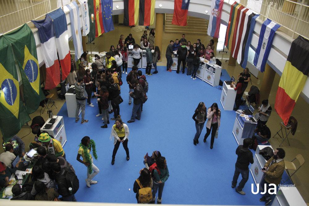 Feria de las Naciones en la Universidad de Jaén.