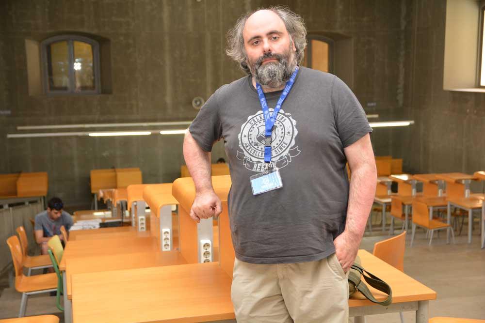 Tomás Alarcón realiza modelos matemáticos del crecimiento de tumores.
