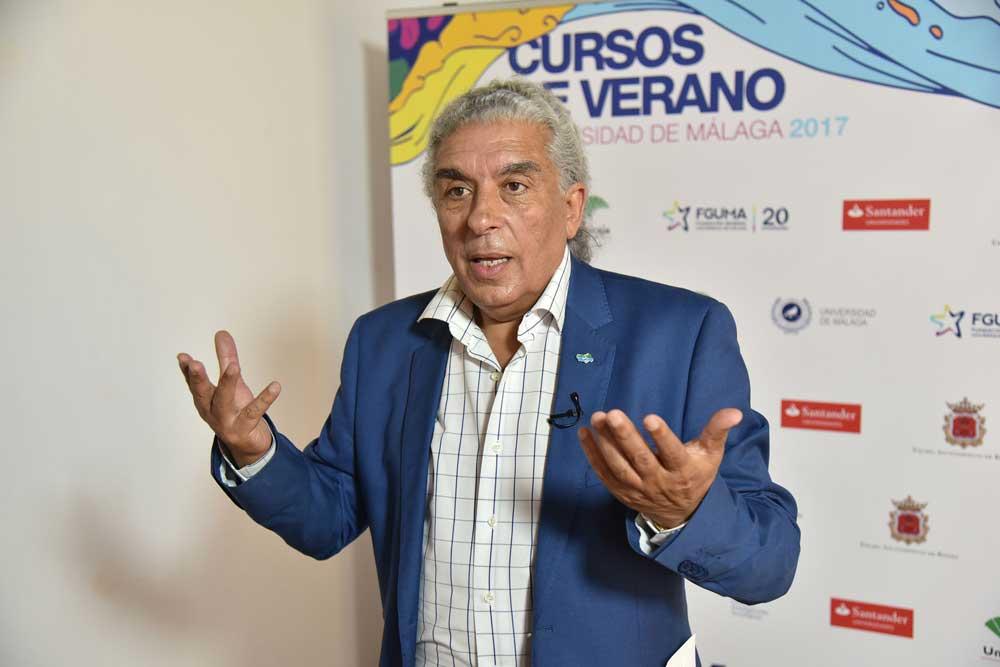 Paco Suárez durante su intervención.