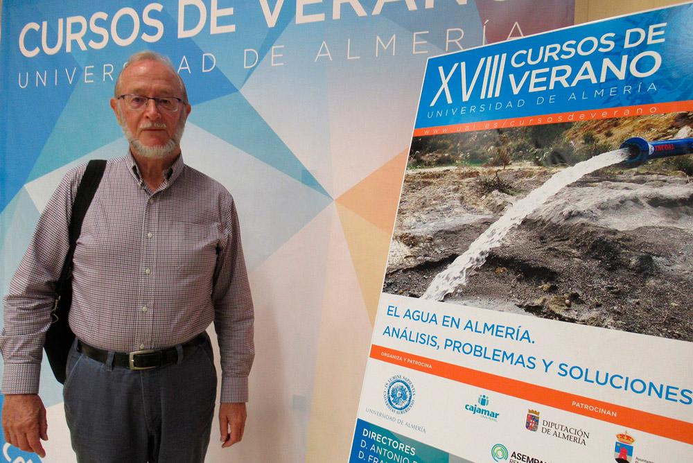 Stephen Foster, experto internacional en gestión del agua.