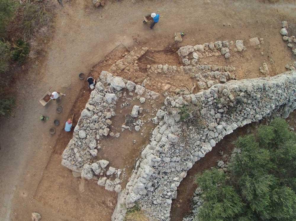 Tareas de arqueología de la UA. / Fernando Prados.