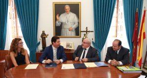 Acto de la firma para la creación de la Cátedra RSC de la UCAM.