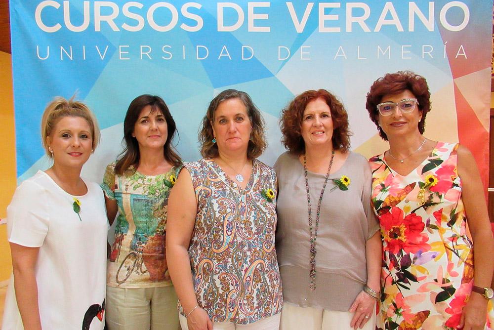 Ponentes y coordinadoras del seminario sobre Dignificación del final de la vida.