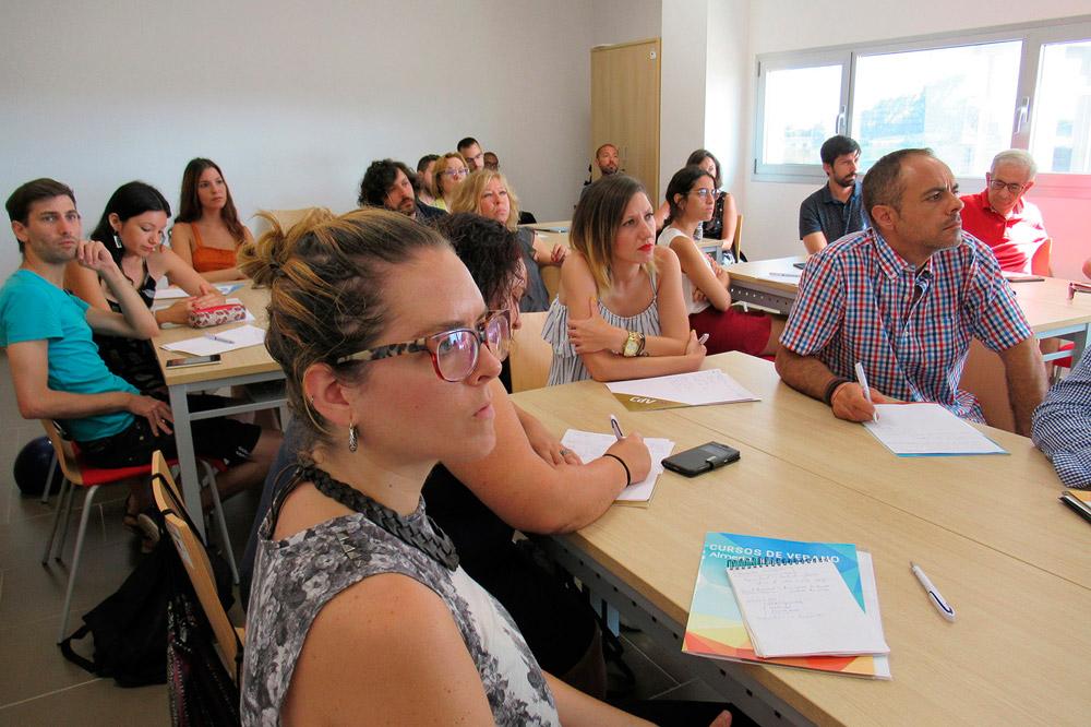 Alumnos del Curso de Verano de la UAL sobre emprendimiento social.