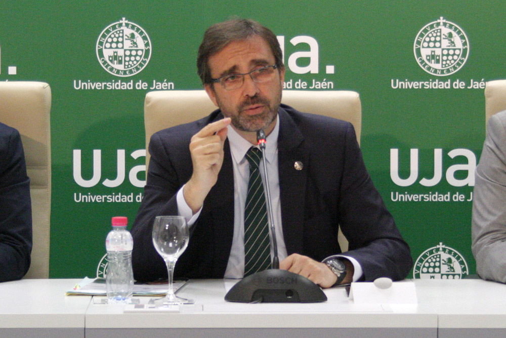 Rector de la UJA, Juan Gómez Ortega.