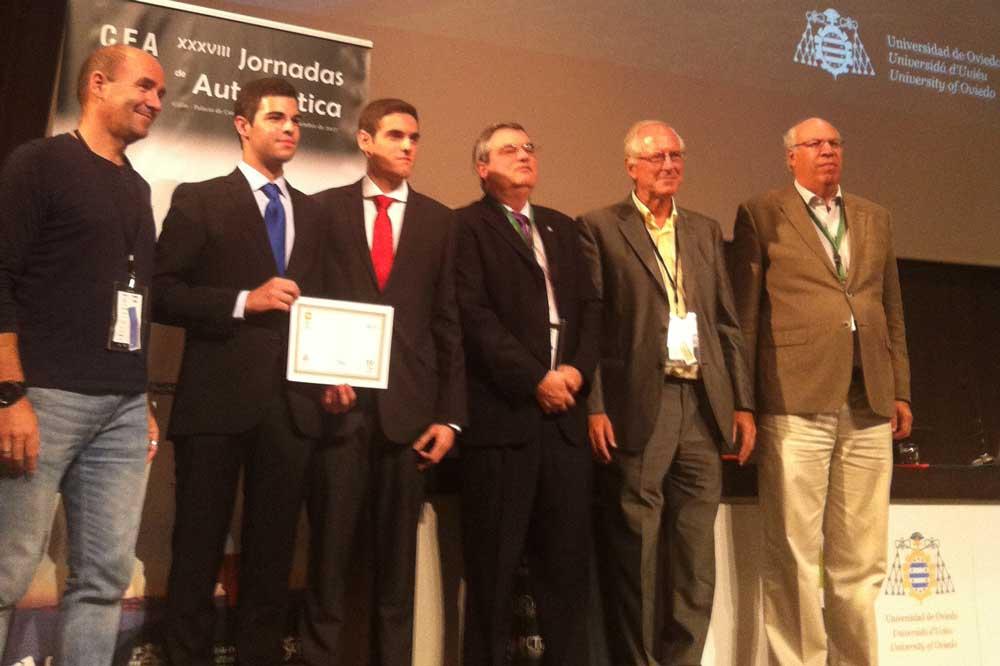 Estudiantes de la UAL ganadores del concurso nacional de Ingeniería de Control.
