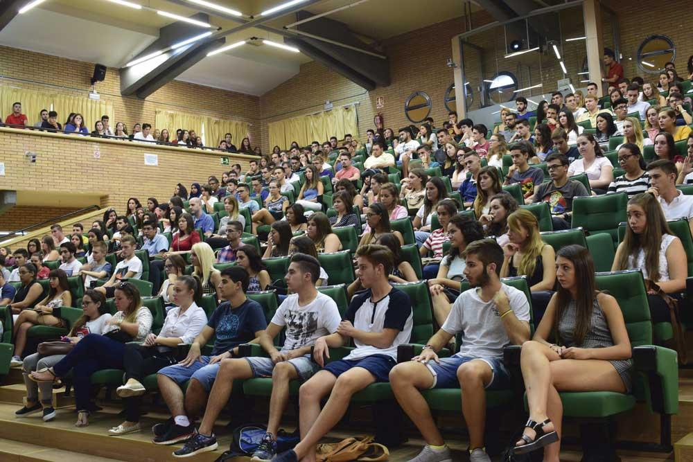 Estudiantes de nuevo ingreso de la UAL.