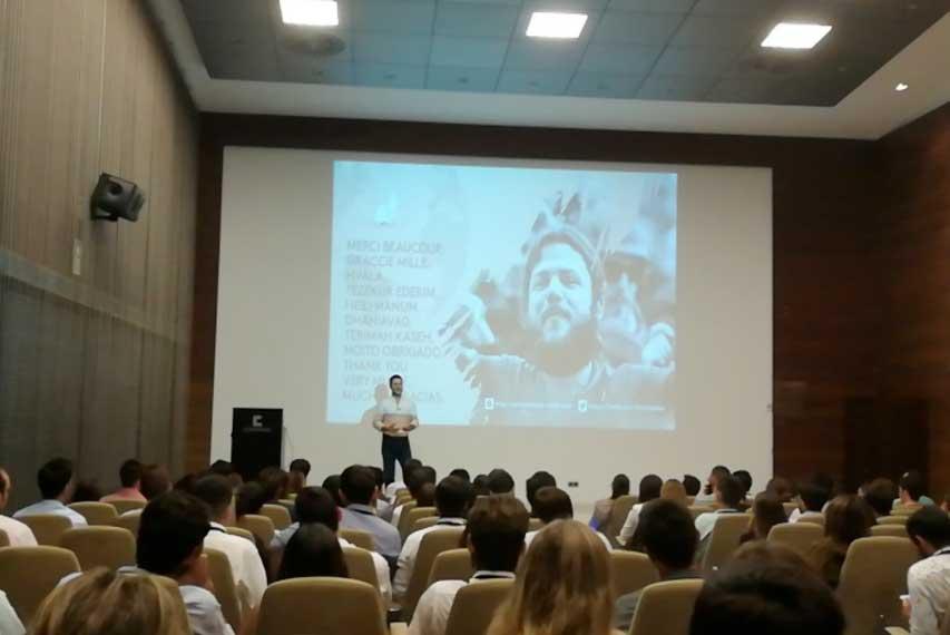 Ignacion Dean en el Seminario Líderes del Futuro.