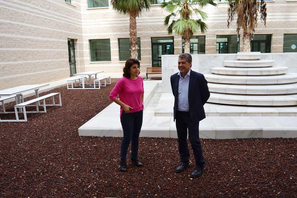 El rector de la UAL ha visitado los nuevos espacios de la Biblioteca.