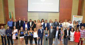 Alumnas, profesores y representantes de instituciones distinguidos por Educación.