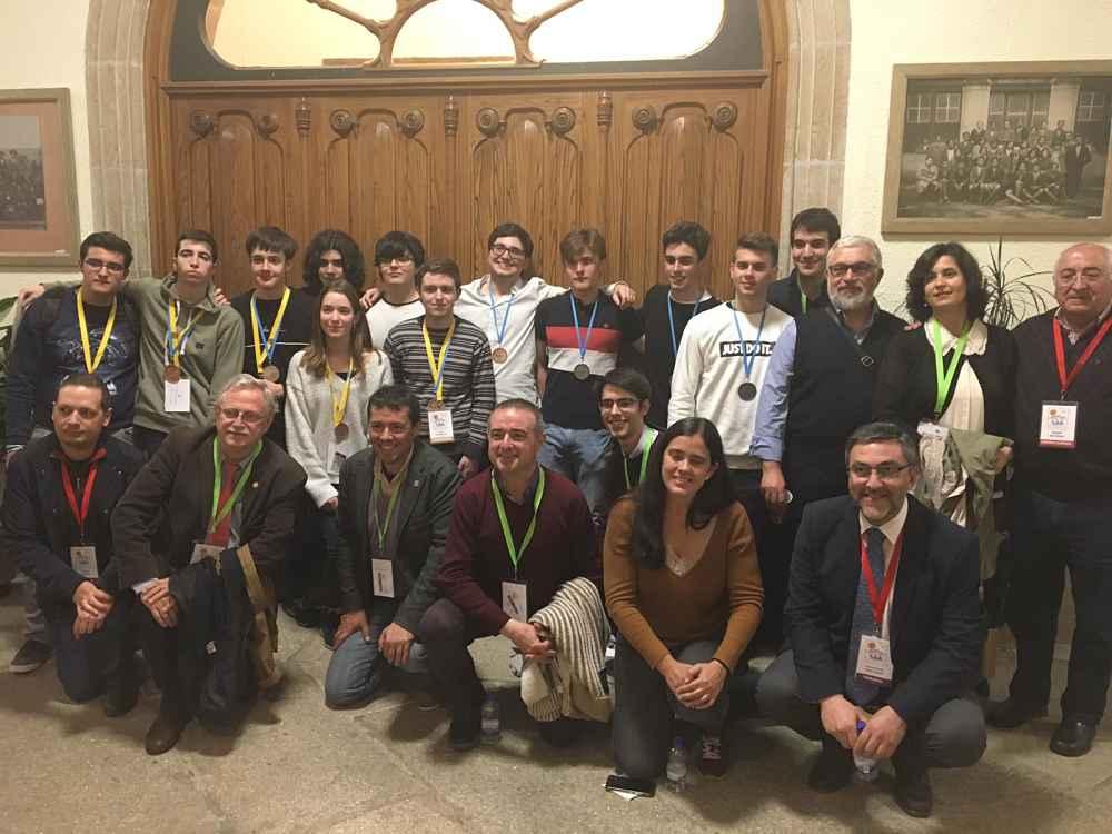 Alumnos participantes en la final nacional de la Olimpiada Matemática.