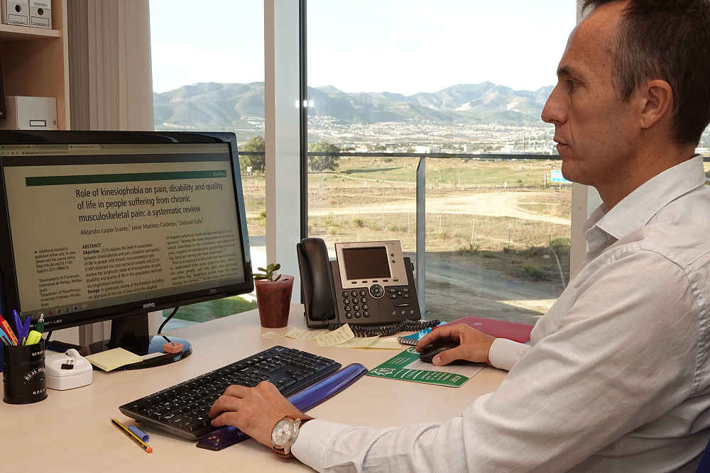 Alejandro Luque, investigador de la UMA y autor de un estudio sobre kinesiofobia