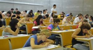 Examen de la PAU en la UPCT.