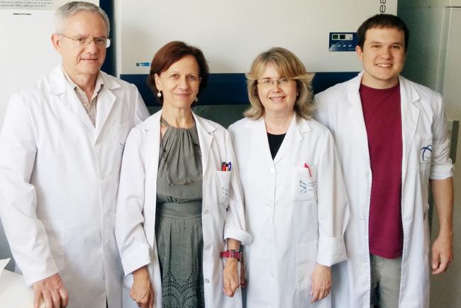 Investigadores que han descubierto el ADN satélite de la langosta migratoria.