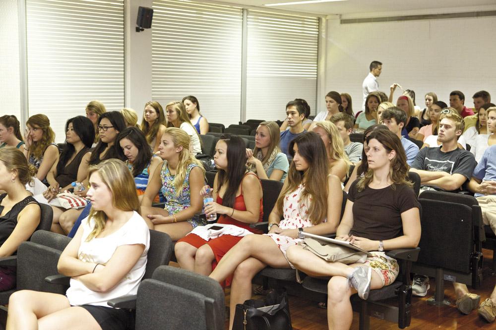 Destaca la vocación internacional de los masteres de la Universidad de Alicante.