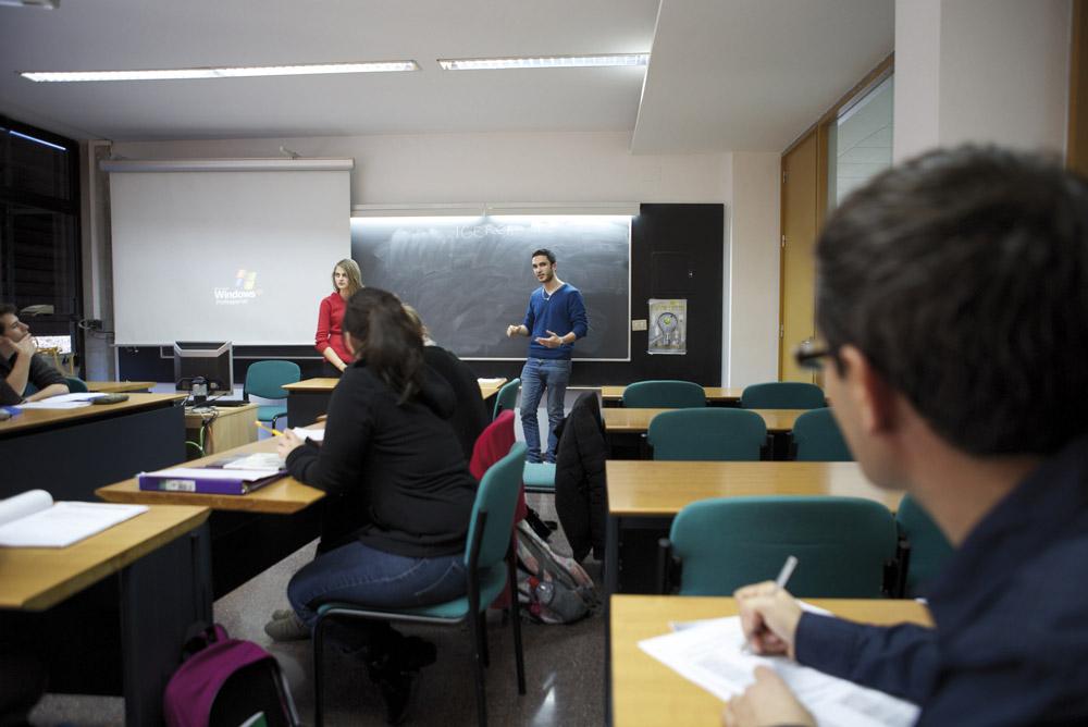 Los masteres de la Universidad de Alicante cuentan con un equipo docente de primera línea.
