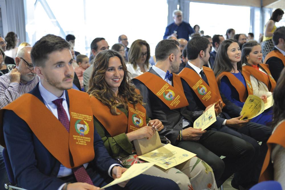 Graduados del master de Caminos.