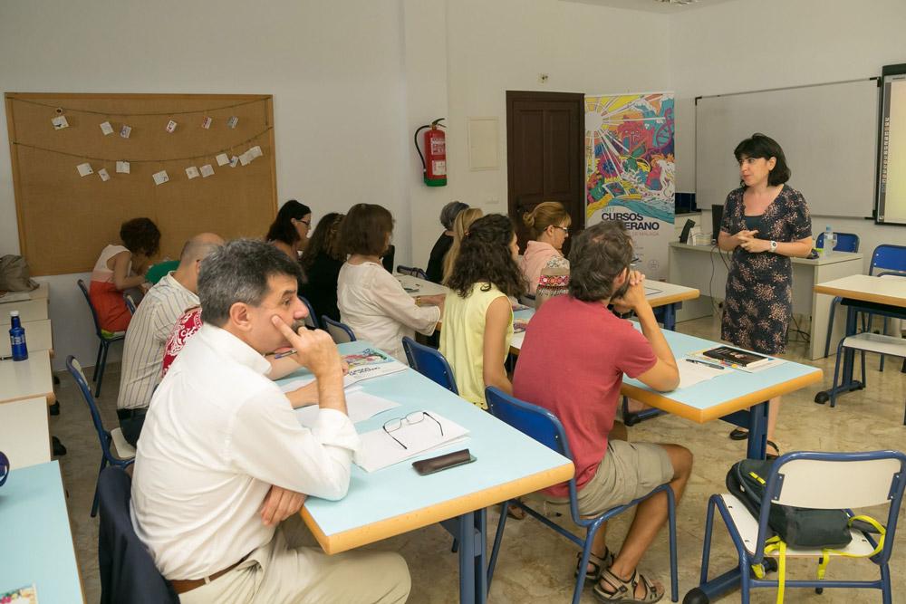 Rebeca Sanmartín en los cursos de verano de la UMA.