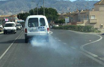 El tráfico, sobre todo del parque móvil diésel, es el responsable de más de la mitad de la contaminación de las ciudades.