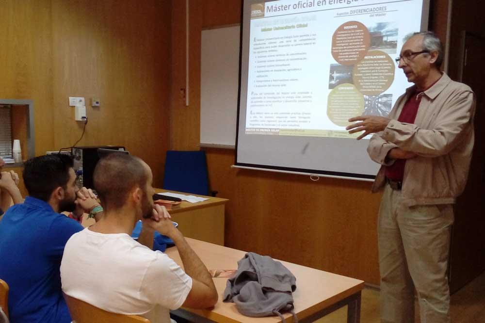 Eduardo Zarza en la primera jornada del Máster en Energía Solar de la UAL.