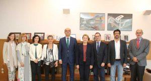 Representantes de la UA y de la institución francesa que han abordado la colaboración en turismo.