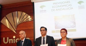 Presentación del informe Previsiones Económicas de Andalucía de Analistas Económicos, patrocinado por Unicaja Banco.