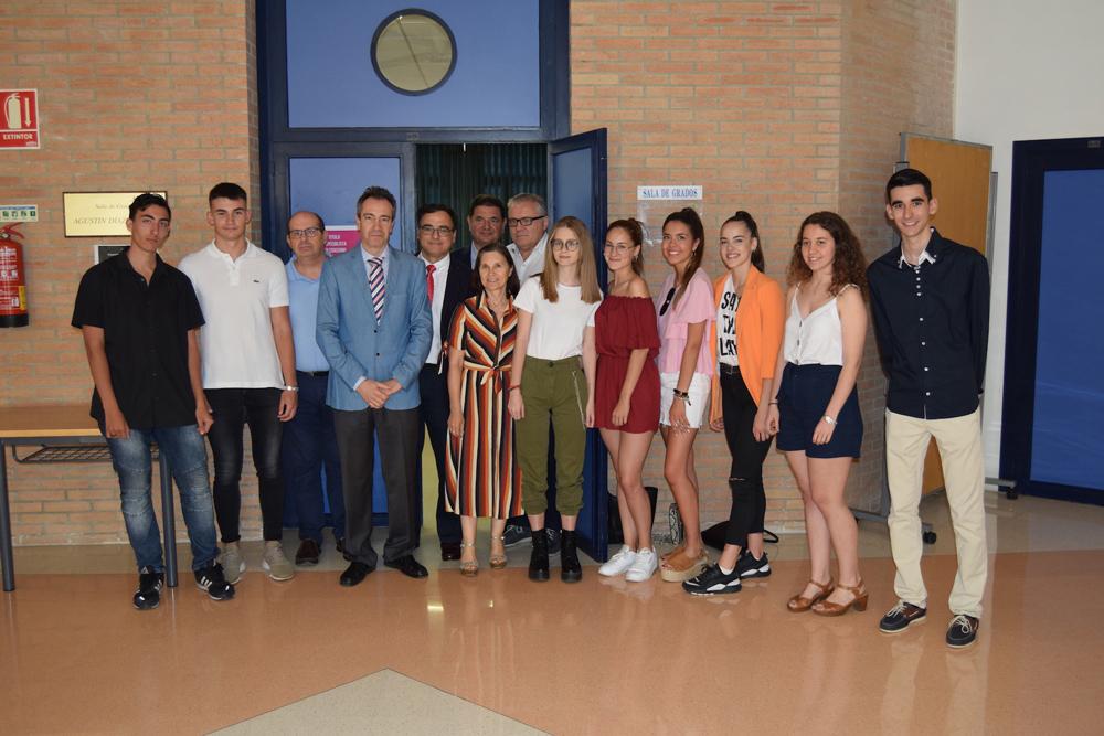 Alumnos galardonados en la Olimpiada de Economía de la Universidad de Almería.