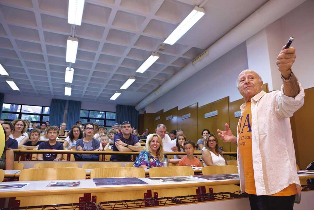 Clase en la Universidad de Alicante.