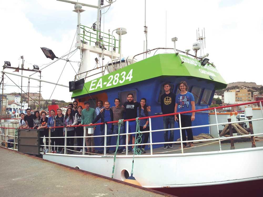 Estudiantes de Ingeniería Naval y Oceánica de la UPCT.