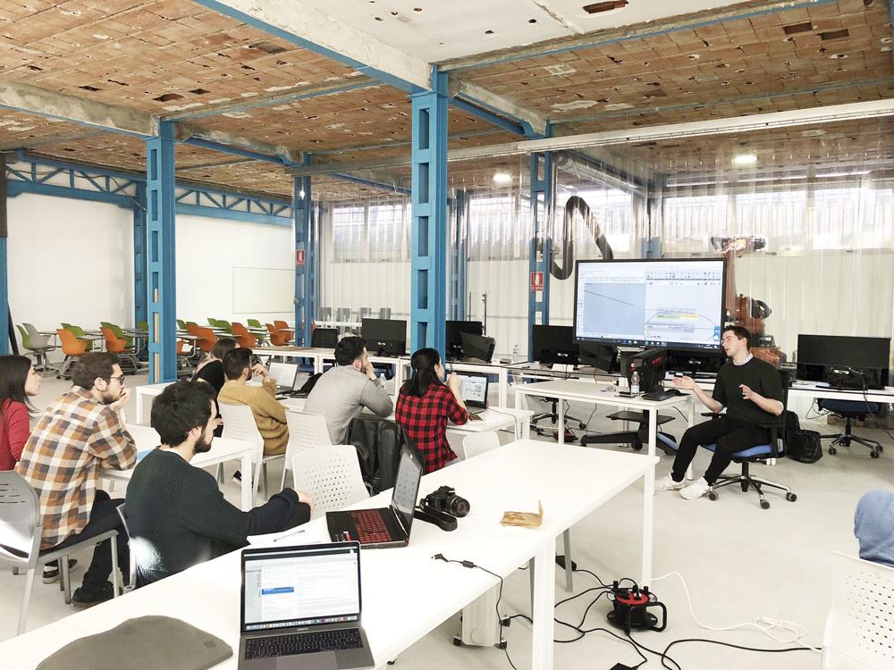 Alumnos se forman en arquitectura robótica en la Escuela de Arquitectura de Málaga.