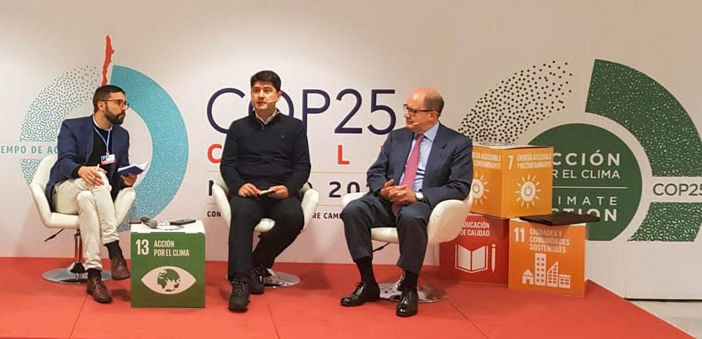 Javier Martínez (en el centro), en la COP 25.