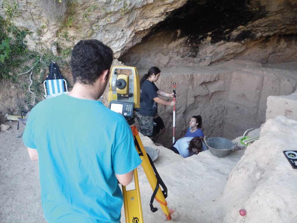 Yacimiento de la Cueva Negra del Estrecho del Río Quípar, en Caravaca de la Cruz, donde ha aparecido el hacha más antigua de Europa.